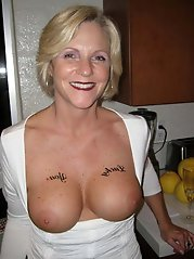 Tempting older housewife on xxx gallery